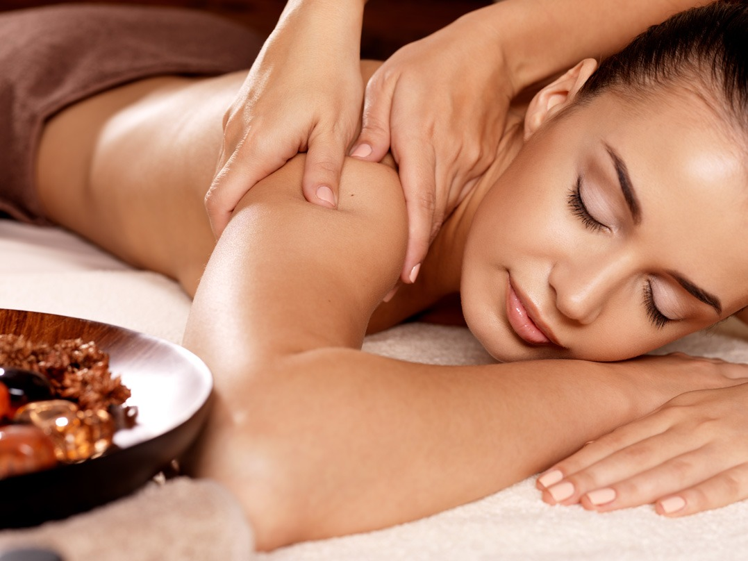 Massagens com Óleo de Magnésio